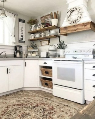 Elegant Farmhouse Kitchen Cabinet Makeover Design Ideas That Very Cozy 34