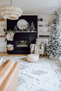 Excellent Living Room Decoration Ideas For Winter Season That Look More Cool 04