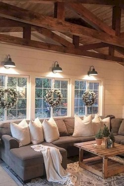 Excellent Living Room Decoration Ideas For Winter Season That Look More Cool 18