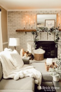 Excellent Living Room Decoration Ideas For Winter Season That Look More Cool 41