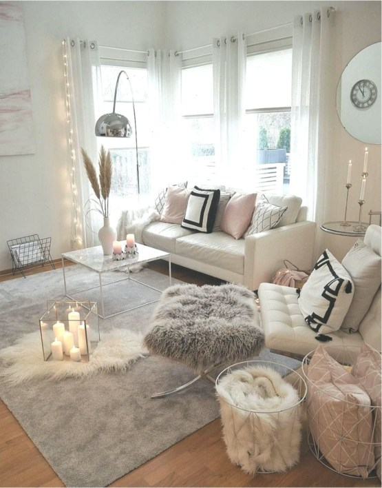 Excellent Living Room Decoration Ideas For Winter Season That Look More Cool 47