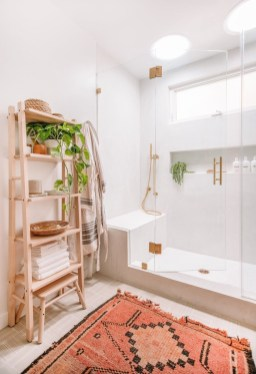 Lovely Bathroom Design Ideas That You Need To Have 42