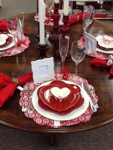 Lovely Valentines Day Table Centerpieces Ideas To Try Asap 19