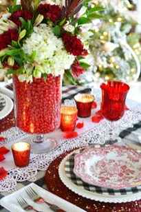 Lovely Valentines Day Table Centerpieces Ideas To Try Asap 22