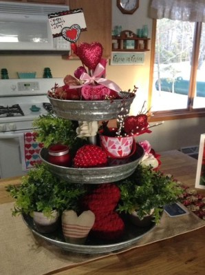 Lovely Valentines Day Table Centerpieces Ideas To Try Asap 36