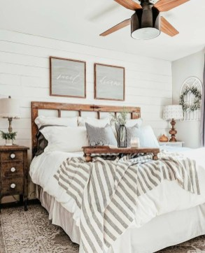Pretty Farmhouse Master Bedroom Ideas To Try Asap 07