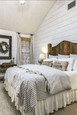 Pretty Farmhouse Master Bedroom Ideas To Try Asap 15