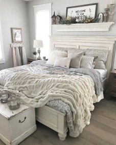 Pretty Farmhouse Master Bedroom Ideas To Try Asap 20