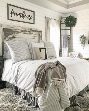 Pretty Farmhouse Master Bedroom Ideas To Try Asap 35