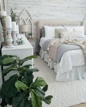 Pretty Farmhouse Master Bedroom Ideas To Try Asap 36