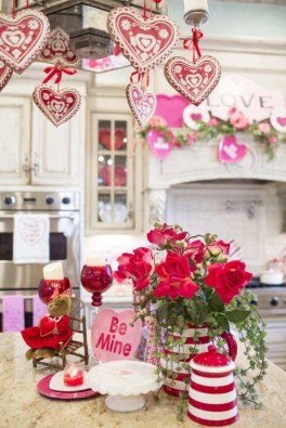 Stylish Valentines Day Decoration Ideas That You Will Love It 18