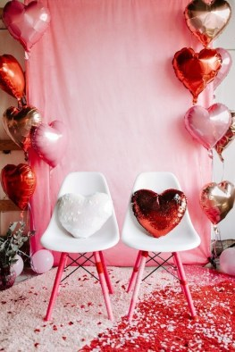 Stylish Valentines Day Decoration Ideas That You Will Love It 34