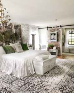 Wonderful Farmhouse Bedroom Decorating Ideas That You Need To Try 03