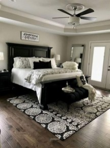 Wonderful Farmhouse Bedroom Decorating Ideas That You Need To Try 13