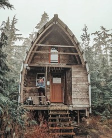 Affordable Tiny House Design Ideas To Live In Nature 31