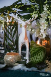 Brilliant Tropical Winter Decor Ideas That Bring Your Home Into Holiday Feel 11