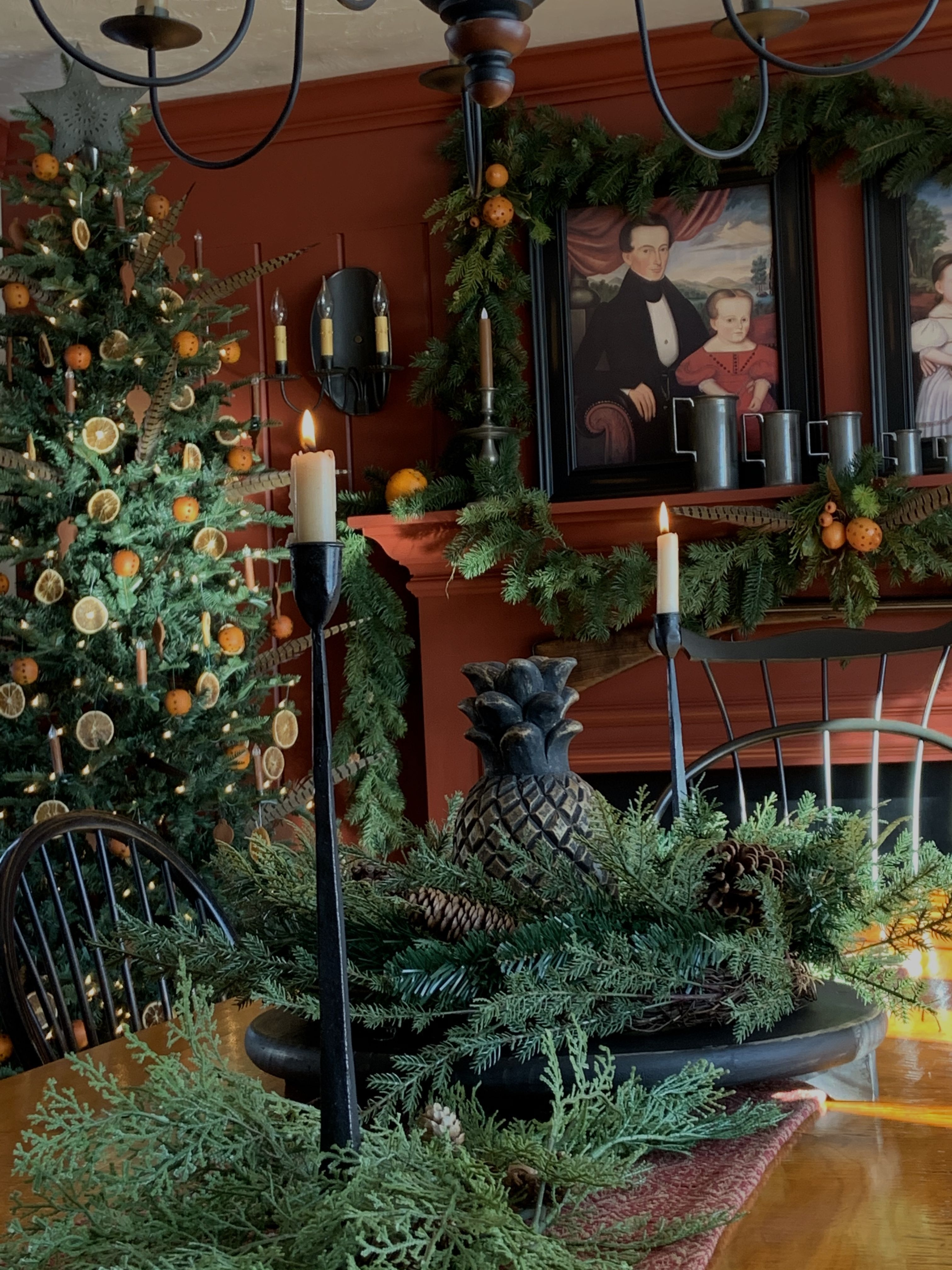 Brilliant Tropical Winter Decor Ideas That Bring Your Home Into Holiday Feel 19