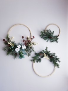 Gorgeous Scandinavian Winter Wreaths Ideas With Natural Spirit 21