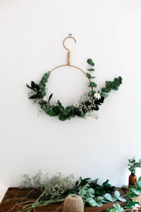Gorgeous Scandinavian Winter Wreaths Ideas With Natural Spirit 25
