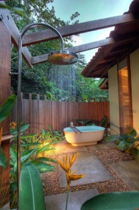 Sophisticated Outdoor Bathroom Design Ideas That Feel Like A Vacation 12