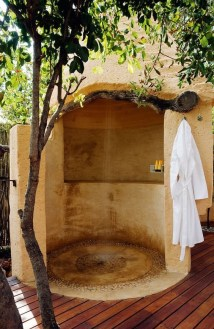 Sophisticated Outdoor Bathroom Design Ideas That Feel Like A Vacation 28
