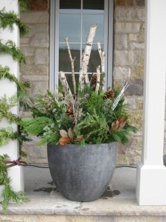 Superb Outdoor Winter Decor Ideas That Refresh Your Feel 04