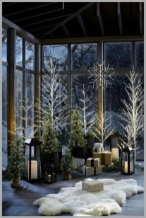 Superb Outdoor Winter Decor Ideas That Refresh Your Feel 12