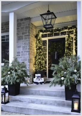 Superb Outdoor Winter Decor Ideas That Refresh Your Feel 34