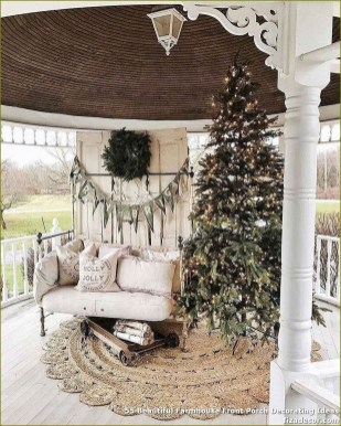 Superb Outdoor Winter Decor Ideas That Refresh Your Feel 36