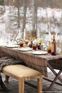 Superb Outdoor Winter Decor Ideas That Refresh Your Feel 42