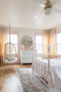 Beautiful Girl Bedroom Design Ideas That Looks So Charming 20