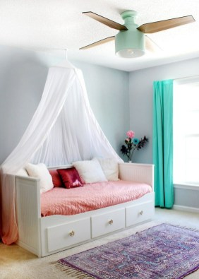 Beautiful Girl Bedroom Design Ideas That Looks So Charming 27