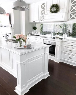 Best White Kitchen Design Ideas That You Need To Copy 18