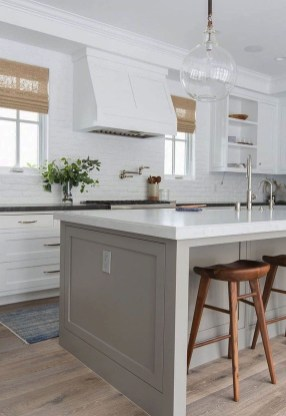 Best White Kitchen Design Ideas That You Need To Copy 24