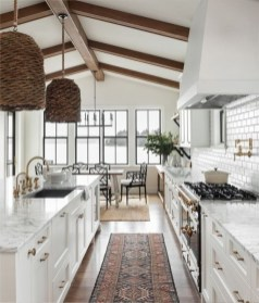 Best White Kitchen Design Ideas That You Need To Copy 32