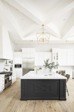 Best White Kitchen Design Ideas That You Need To Copy 43
