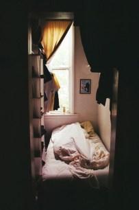 Enchanting College Bedroom Design Ideas With Outdoor Reading Nook 01