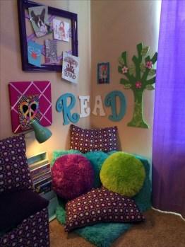 Enchanting College Bedroom Design Ideas With Outdoor Reading Nook 25