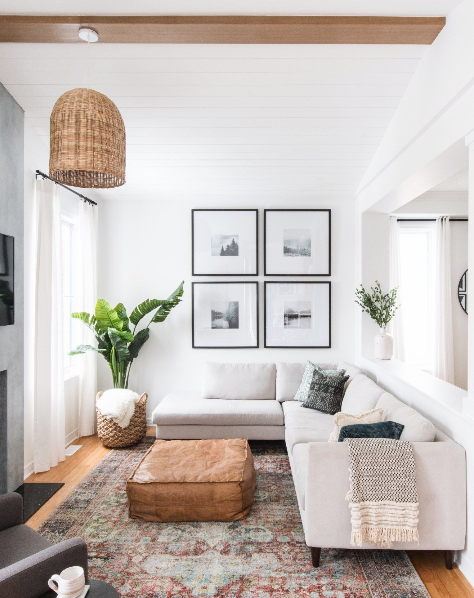 Modern White Apartment Design Ideas To Try Right Now 42