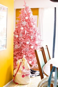 Pretty Pink Winter Tree Decorating Ideas That Looks So Awesome 05