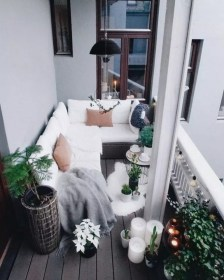 Relaxing Covered Balcony Design Ideas To Try In Apartment 31