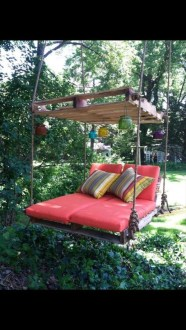 Sparkling Treehouse Design Ideas With Recycled Materials That You Should Have 22