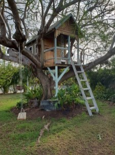 Sparkling Treehouse Design Ideas With Recycled Materials That You Should Have 28