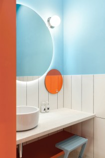 Top Fresh Orange Bathroom Design Ideas To Try Asap 20