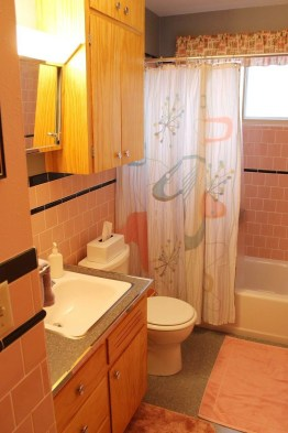 Top Fresh Orange Bathroom Design Ideas To Try Asap 34