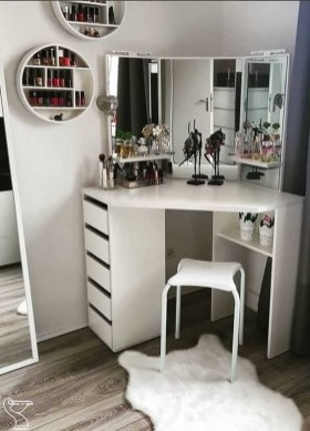 Affordable Home Decoration Ideas With Makeup Vanity That Can Inspire You 09