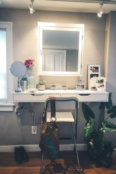 Affordable Home Decoration Ideas With Makeup Vanity That Can Inspire You 17
