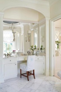 Affordable Home Decoration Ideas With Makeup Vanity That Can Inspire You 19