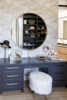 Affordable Home Decoration Ideas With Makeup Vanity That Can Inspire You 20