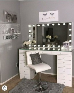 Affordable Home Decoration Ideas With Makeup Vanity That Can Inspire You 23